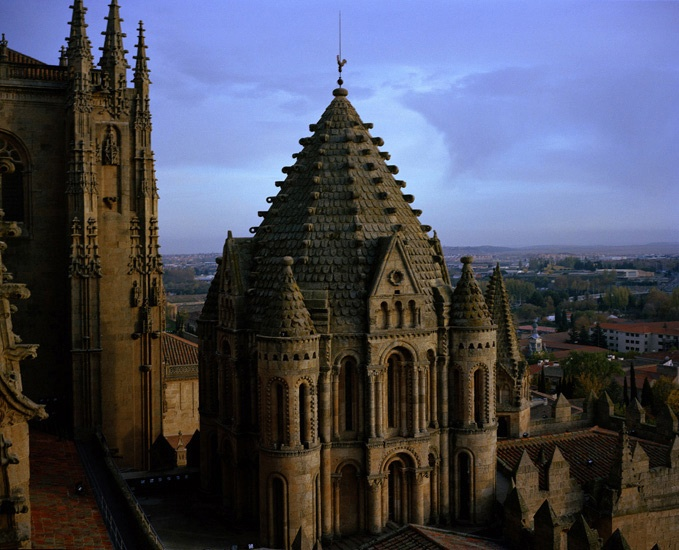 Travel_01_Salamanca_Cathedral_Spain.jpg