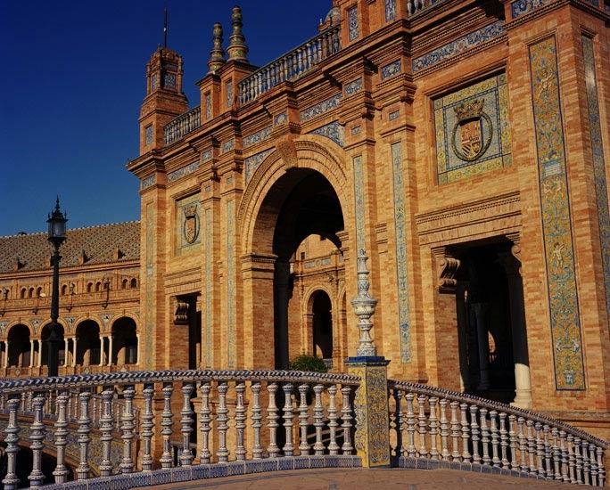Travel_05_Plaza_de_Espana_Sevilla_Spain.jpg